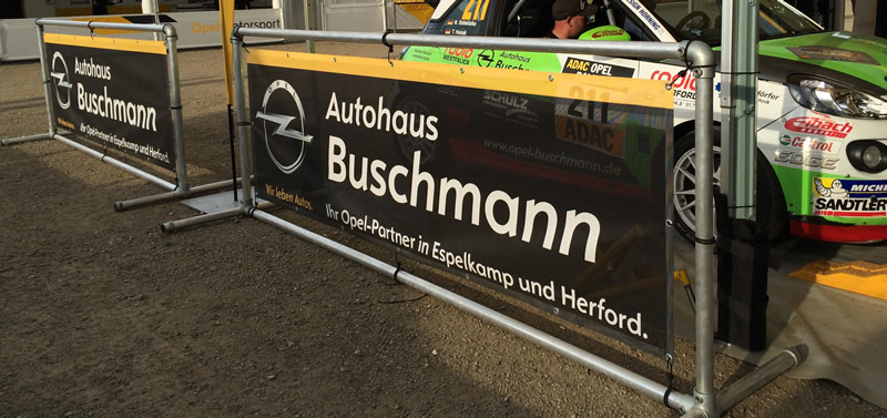 referenz-bannerrahmen-stecksystem-stand-autohaus-buschmann