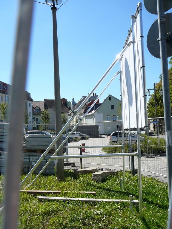Freistehendes Bannerrahmen Stecksystem für Bauschilder