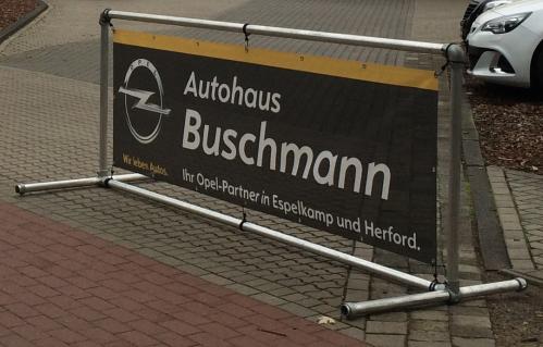 alu-bannerrahmen-stand-quer-fuer-spannbanner-autohaus-buschmann