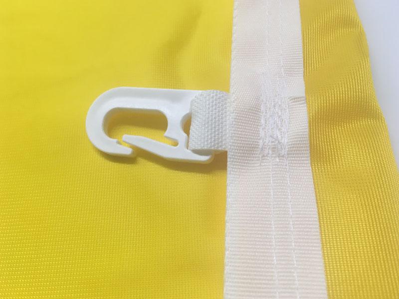 Fahnen-Glanzpolyester-Standard-Detail-Karabiner-Besatzband