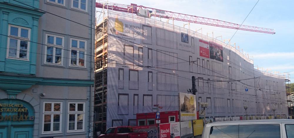 grossformatdruck-bannerdruck-geruestbanner-fassadenverkleidung-domplatz